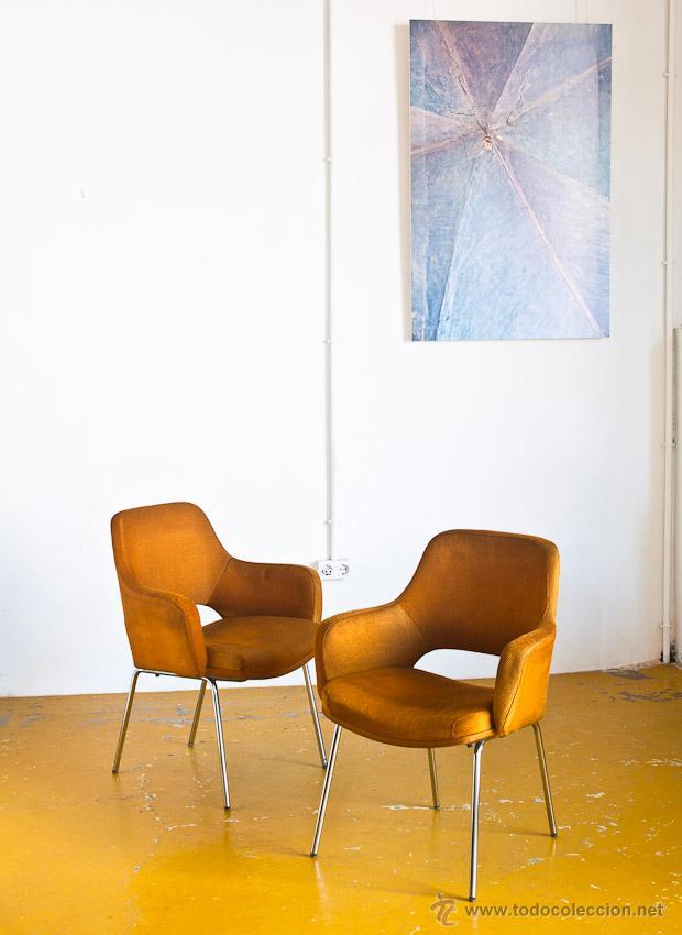 Pareja de butacas estilo saarinem originales comprar for Subastas muebles madrid