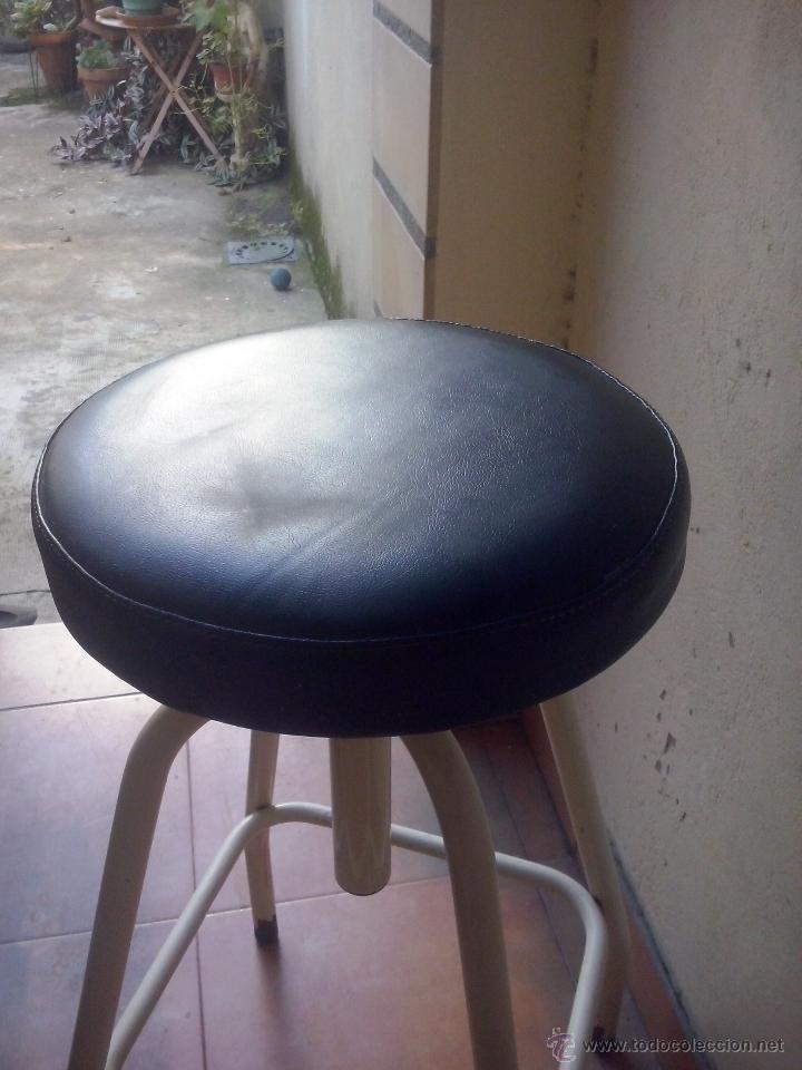Vintage: silla taburete vintage- hierro y asiento tapizado- giratorio y elevable - Foto 2 - 52653055