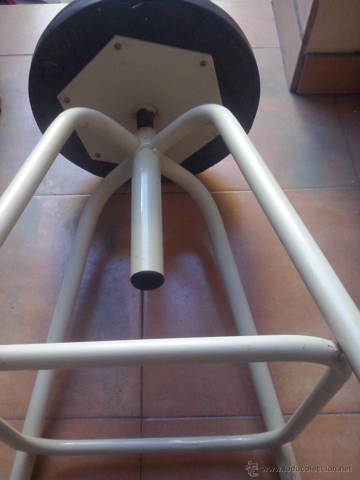 Vintage: silla taburete vintage- hierro y asiento tapizado- giratorio y elevable - Foto 3 - 52653055