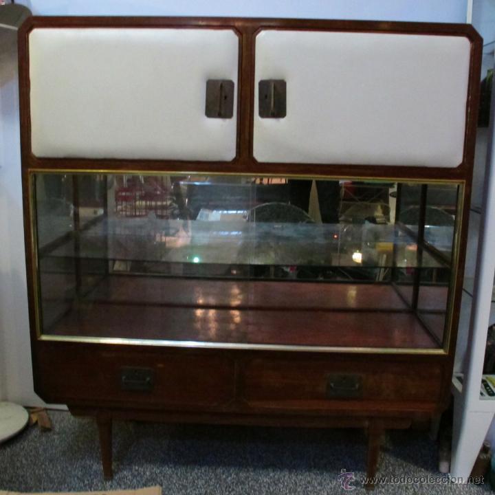Mueble armario vitrina madera a os 50 rockabill comprar muebles vintage en todocoleccion - Mueble anos 50 ...