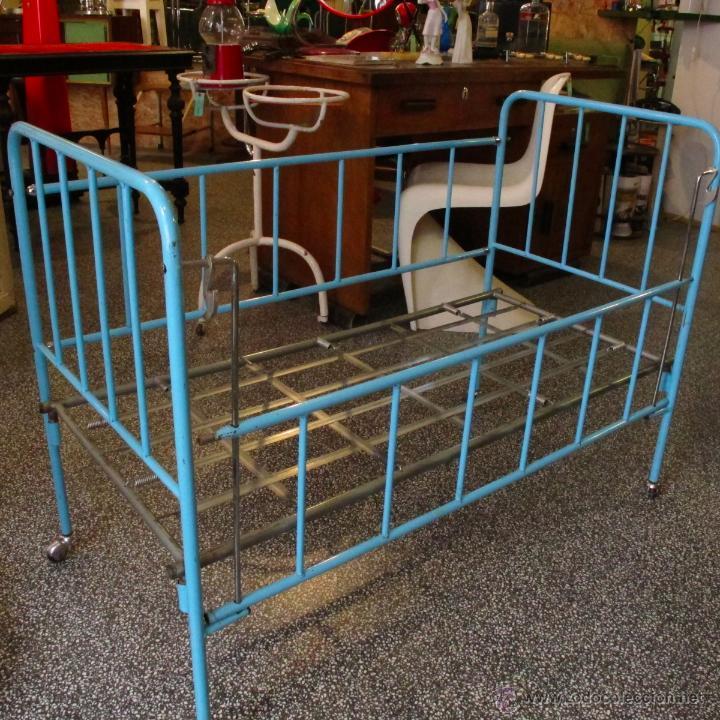 cuna antigua niño años 60 hierro metal vintage - Comprar Muebles ...