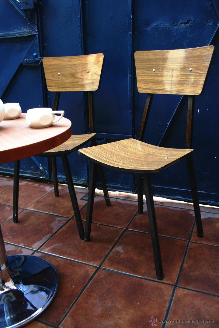 Silla formica estructura cromada transporte gr comprar for Subastas muebles madrid