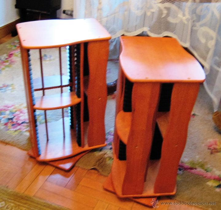 Vintage: 2 muebles- estanterias- GIRATORIOS para guardar DVDs, en madera - Foto 2 - 53848113
