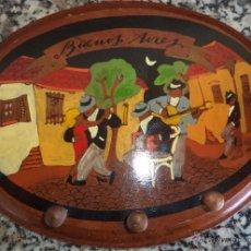 Vintage: ANTIGUA PERCHA MADERA PINTADA A MANO TANGO BUENOS AIRES MIDE 23/17/1,5 CM.. Lote 54274948