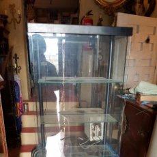 Vintage: VITRINA EXPOSITOR EN METAL Y CRISTAL. CINCO BALDAS.. Lote 54351267