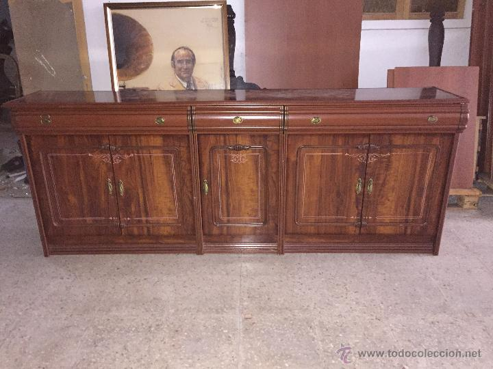 bufet o mueble bajo de comedor