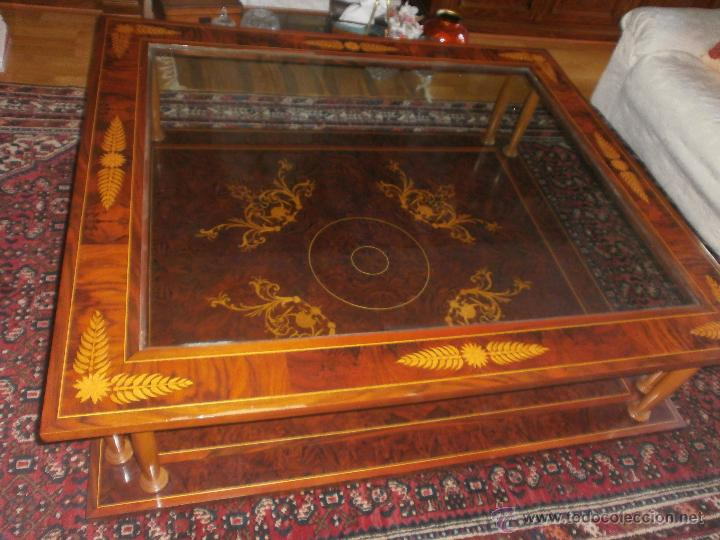 GRAN MESA DE MADERA CON CHAPA DE NOGAL E INCRUSTACIONES FLORALES. CRISTAL Y DOBLE TABLERO (Vintage - Muebles)