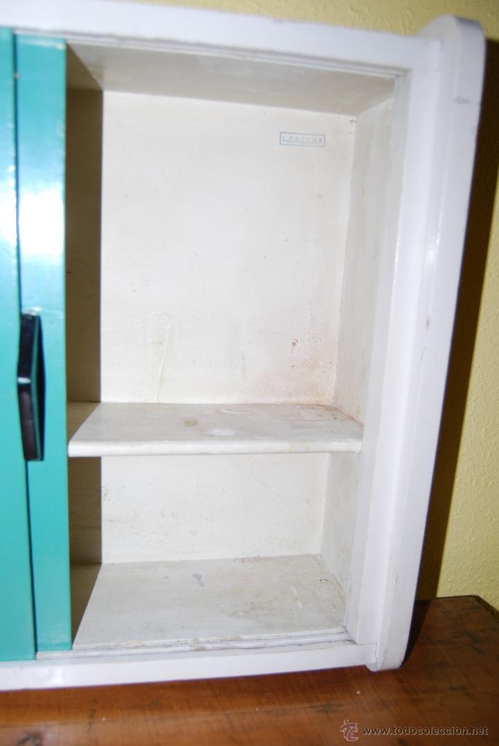 peque o armario de madera con puertas corredera comprar