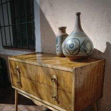 Vintage: MUEBLE APARADOR COMODA ESCANDINAVO NORDICO AÑOS 50 ENTREGA GRATIS COMUNIDAD DE MADRID DISEÑO NORDICO. Lote 109480851