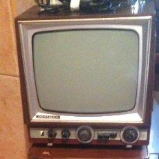 Vintage: PRECIOSA TELEVISION ANTIGUA EN MADERA OPTIMUS FENIX CON MESA DE ÉPOCA. Lote 56283865