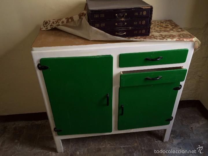 Alacena de cocina vintage a os 60 verde y blanc comprar for Muebles de cocina vintage