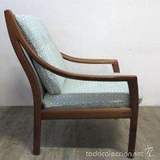 Vintage: SILLÓN DE DISEÑO ESCANDINAVO CON BRAZOS DE MADERA. 1950 - 1959. Lote 57654241