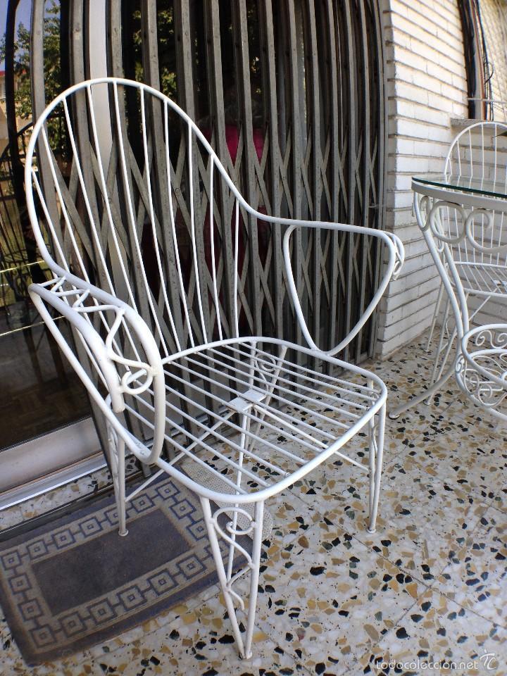 Antiguo juego de mesa y cuatro sillas de jard n comprar for Sillas hierro jardin