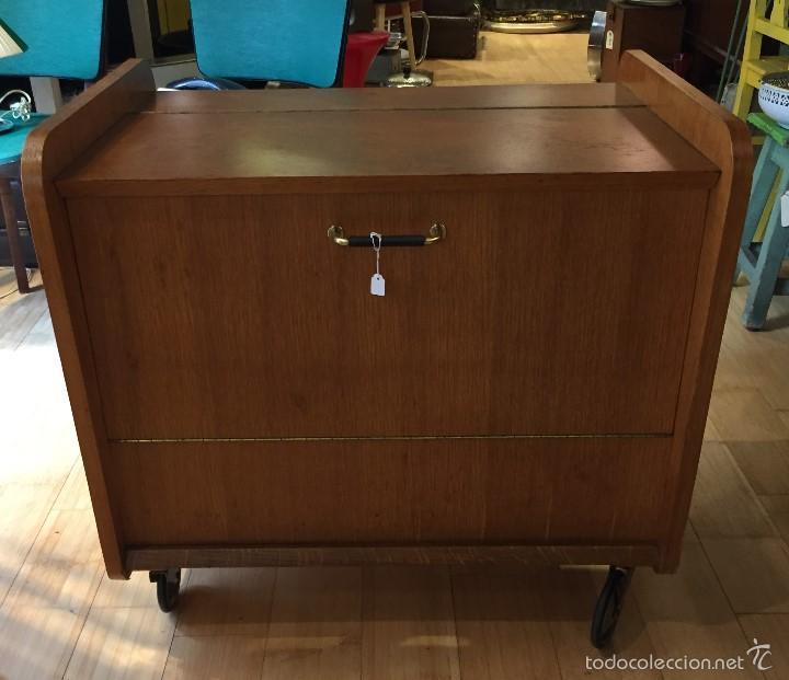 Mueble bar a os 60 con ruedas comprar muebles vintage en todocoleccion 60279123 - Muebles anos 60 ...