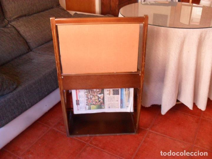 Vintage: bonito mueble para periodicos,revistas,vintage,unico en TC,publicidad años 60,muchas fotos detalles - Foto 8 - 195356863