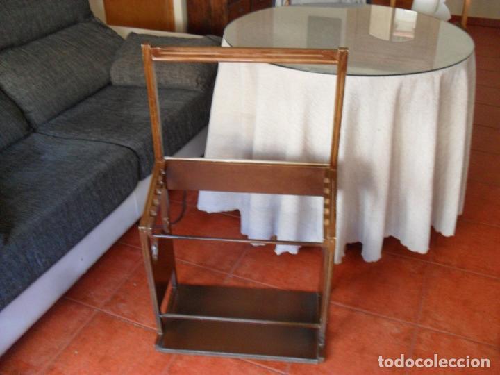 Vintage: bonito mueble para periodicos,revistas,vintage,unico en TC,publicidad años 60,muchas fotos detalles - Foto 10 - 195356863