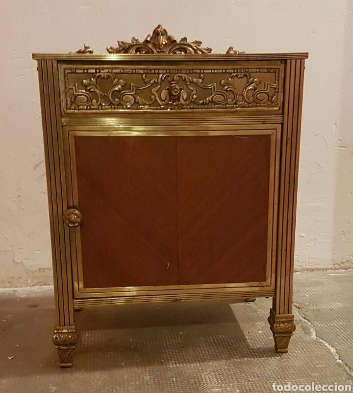 mesita de noche de latón y madera - Comprar Muebles vintage en ...