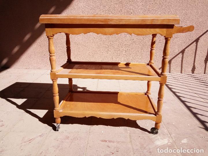 Antigua Mesa Auxiliar Con Ruedas Retro Vintage Torneada