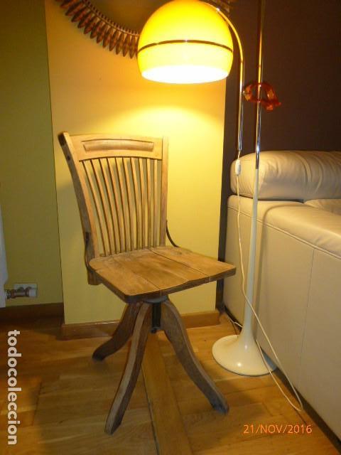 Antigua silla giratoria de oficina. en roble. f - Verkauft ...