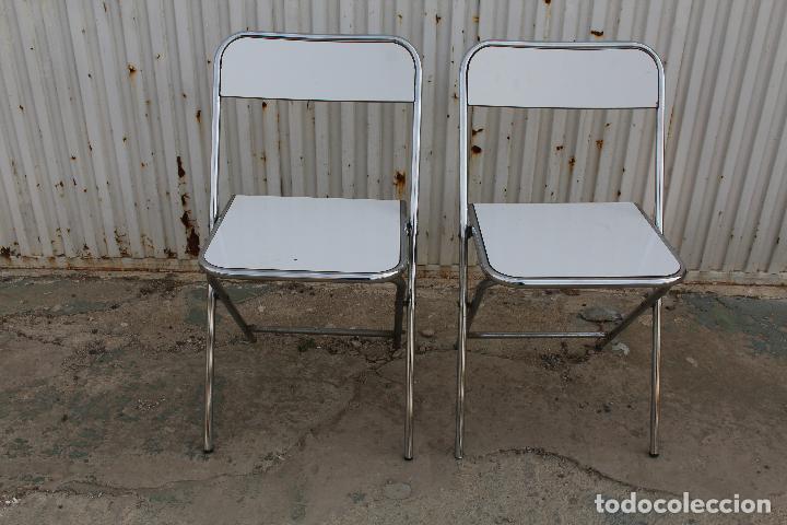 2 sillas vintage de cocina plegables en formica y metal cromado