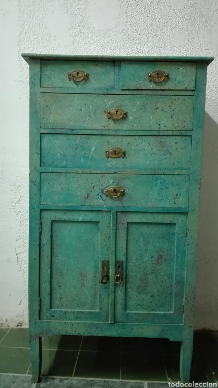 Muebles pintados vintage good si quieres comprar mesitas for Muebles cool