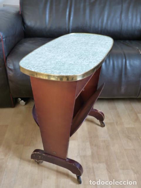 Mesa revistero vintage en madera y formica comprar for Formica madera
