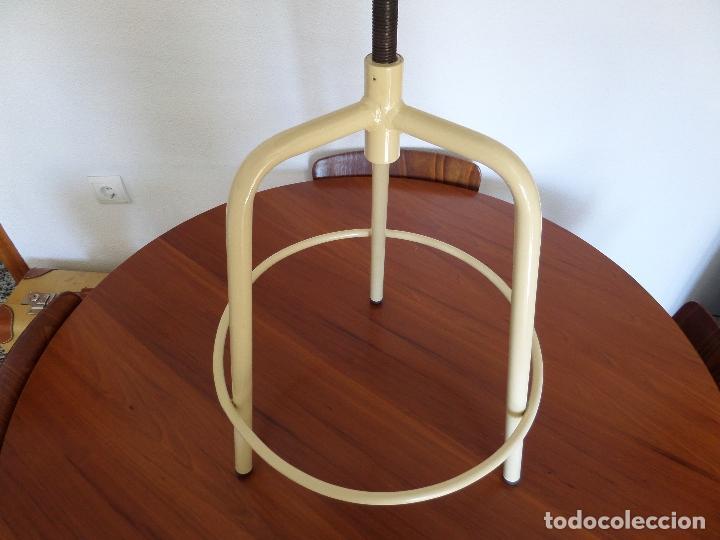 Vintage: Taburete médico-industrial - Foto 2 - 194305792