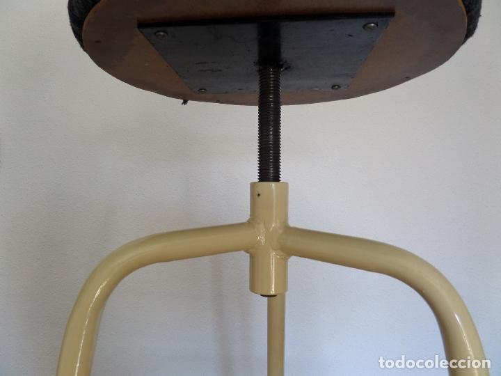 Vintage: Taburete médico-industrial - Foto 8 - 194305792