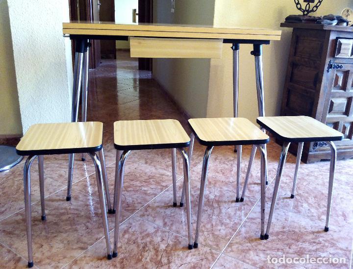 mesa de cocina plegable y cuatro taburetes - de - Kaufen Vintage ...