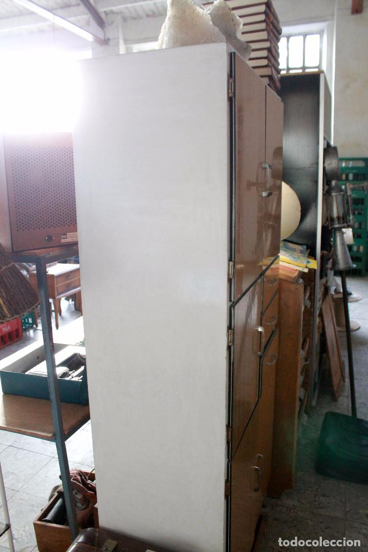 Armario de cocina vintage en blanco y madera comprar - Armario madera blanco ...
