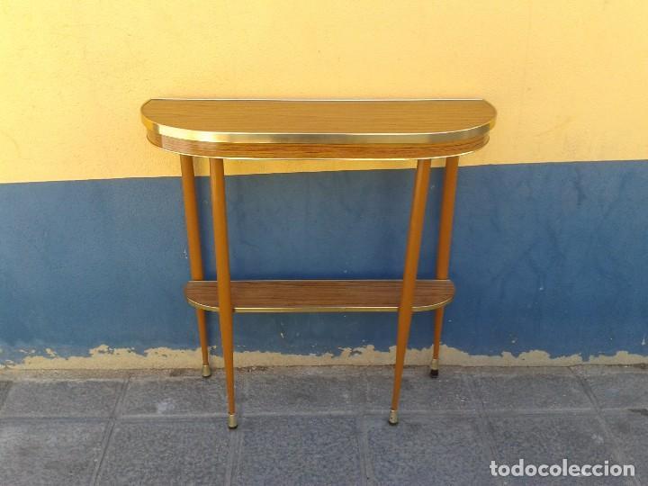 Consola antigua retro vintage mueble auxiliar a comprar for Mueble recibidor vintage