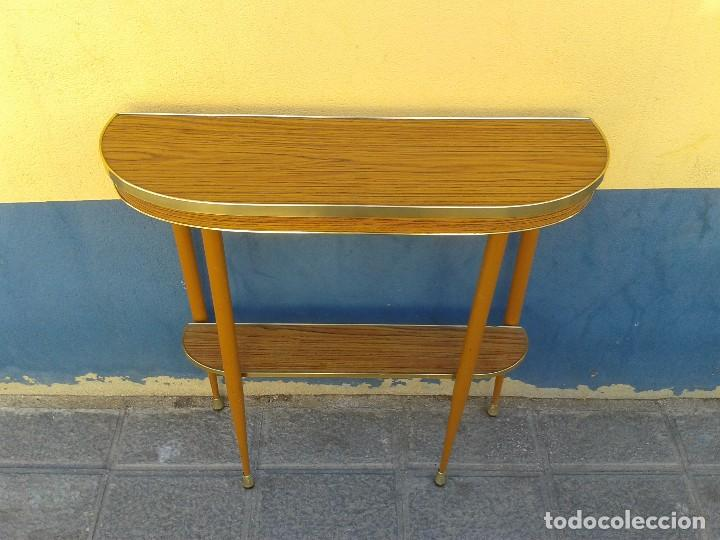 Consola antigua retro vintage mueble auxiliar a comprar for Recibidor estilo escandinavo