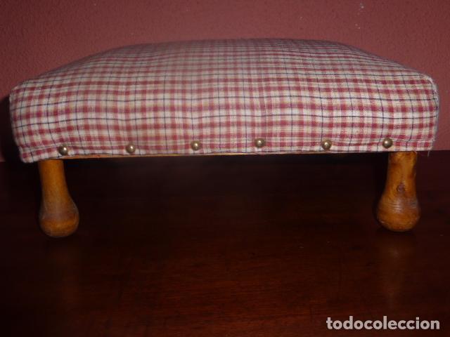 taburete o reposa pies tapizado con las patas d - Comprar Muebles ...