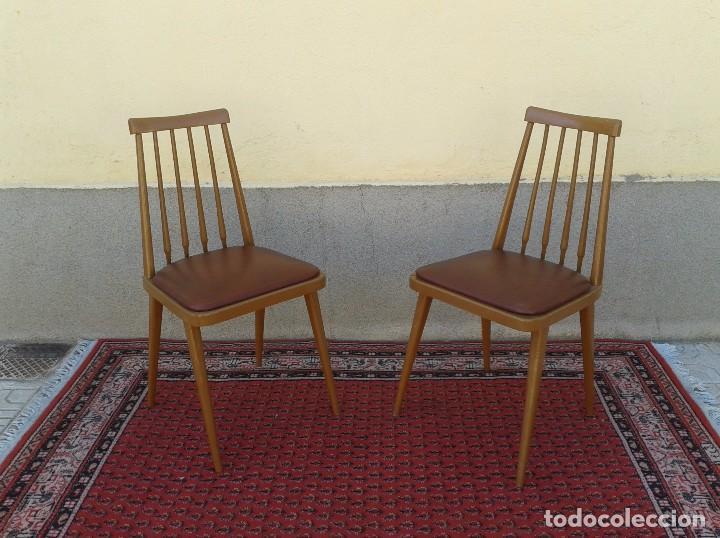 Pareja de sillas antiguas retro vintage tapiova comprar muebles vintage en todocoleccion - Sillas estilo vintage ...
