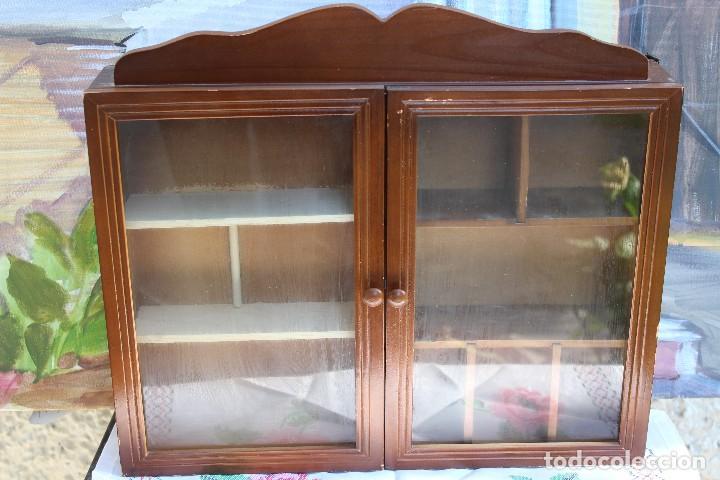 Antigua vitrina estanteria para miniaturas en m comprar - Vitrinas para miniaturas ...