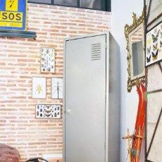 Vintage: ANTIGUA TAQUILLA ARMARIO METÁLICO MILITAR VINTAGE INDUSTRIAL EJERCITO DE TIERRA AÑOS 50-60. Lote 90464489