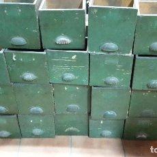 Vintage: 18 CAJONES ANTIGUOS DE CAJONERA DE OFICIOS. Lote 91119085