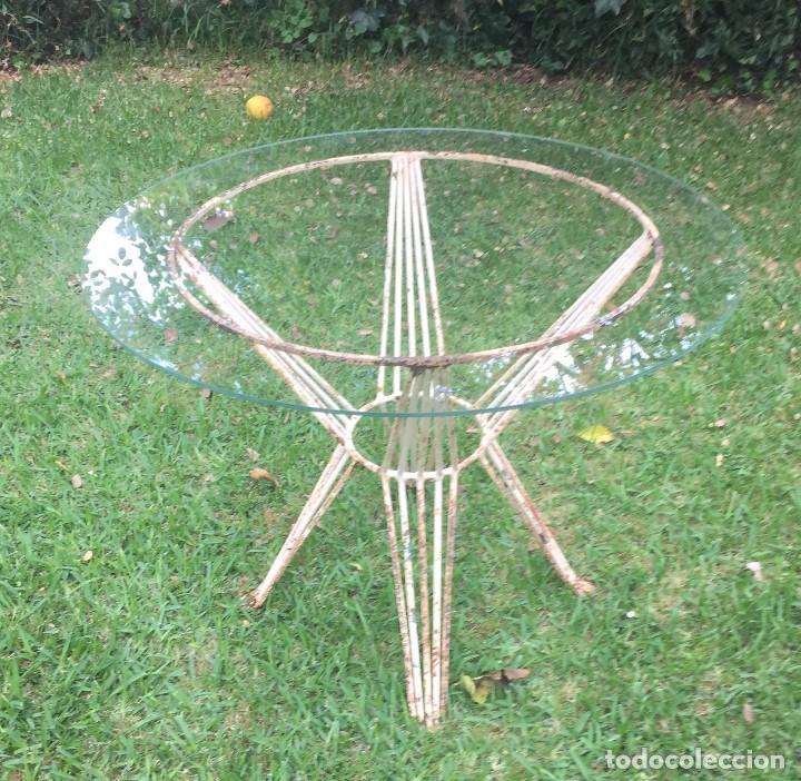 Mesa de jard n en hierro y cristal comprar muebles - Mesas de hierro para jardin ...