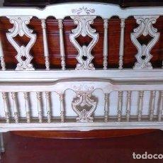 Vintage: CAMA CON PIECERO DE 105 X 80 LACADO RUSTICO DECAPADO. Lote 93603185