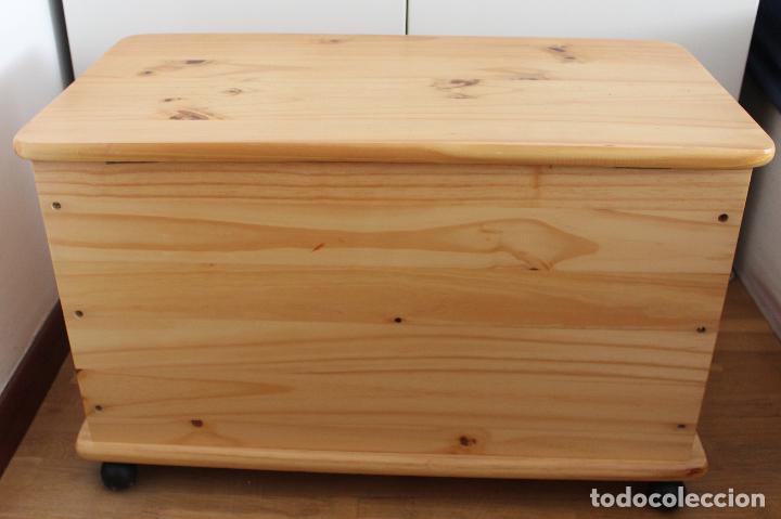 Recogida Muebles Reto : Baúl de madera pino con ruedas cm comprar