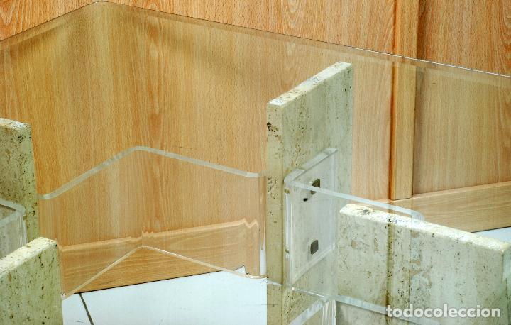 Vintage: Mesa baja de centro patas de mármol y metacrilato tapa de cristal años 70 - Foto 3 - 98205839