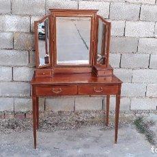 Vintage: MUEBLE AUXILIAR TOCADOR ANTIGUO ESTILO INGLÉS MESA AUXILIAR CON ESPEJO TRÍPTICO RETRO VINTAGE. Lote 99480743