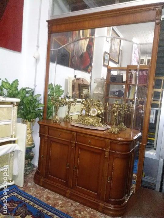 CONSOLA,APARADOR, CÓMODA CON UN MURAL DE ESPEJO BISELADO (Vintage - Muebles)