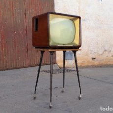 Vintage: TELEVISOR DE VÁLVULAS TELEFUNKEN ANTIGUO RETRO VINTAGE CON MUEBLE AÑOS 50. TELEVISIÓN ANTIGUA. Lote 101417459
