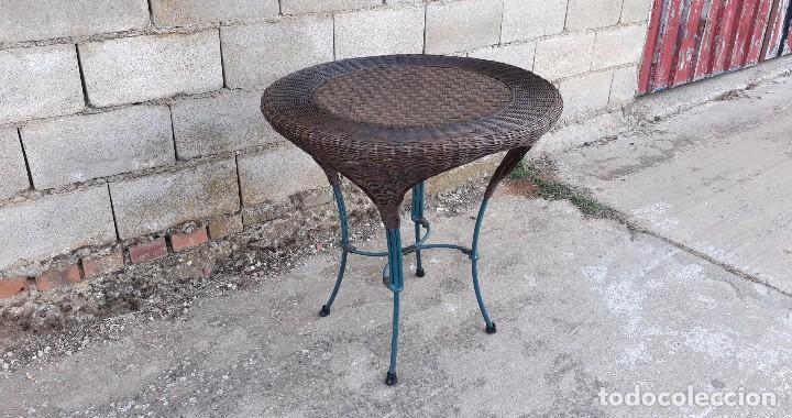 mesa de jardín o terraza de mimbre y hierro, me - Kaufen Vintage ...
