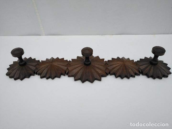 Perchero de madera para pared 3 perchas comprar muebles - Percheros pared vintage ...