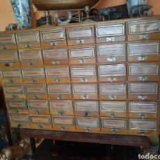Vintage: REBAJADO!. ARCHIVO DE MADERA CON 36 CAJONES, VINTAGE ORIGINAL AÑOS 40. EN MADERA DE ROBLE.. Lote 107870210