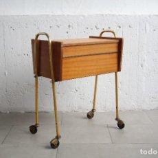 Mueble costurero mesita auxiliar con ruedas a comprar for Mueble costurero