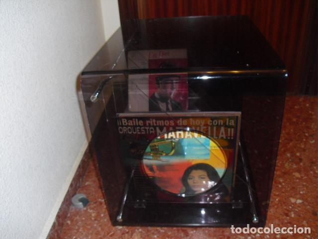 Vintage: MESA METACRILATO,TOCADISCOS-DISQUERO, O REVISTERO,BICOLOR, 56X52X43 - Foto 3 - 109346159