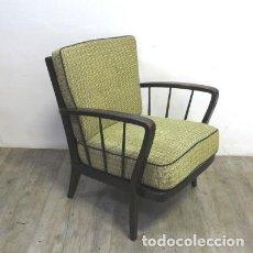 Vintage: SILLÓN VINTAGE DE MADERA CON TAPICERÍA ORIGINAL. ALEMANIA 1950 - 1959. Lote 111611427